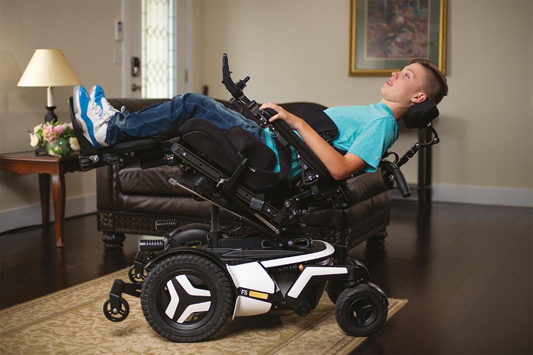F5 Corpus VS Boy Relax Indoor